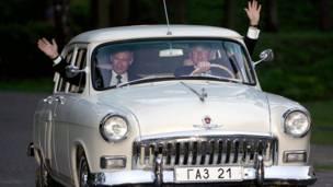 "Путин и Буш едут на ""Волге"""