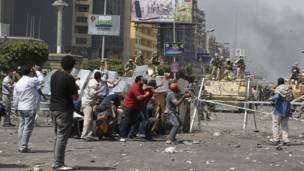 Quân đội Ai Cập trấn áp người biểu tình