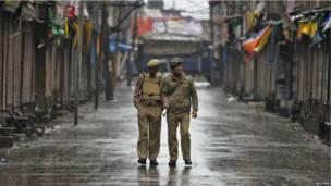 श्रीनगर में पुलिसकर्मी