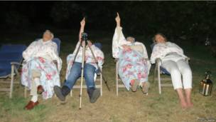 बीबीसी पाठकों की भेजी उल्का पात की तस्वीरें