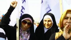 Qadınlar mitinqdə. Bakı. Foto: Şəhla Sultanova