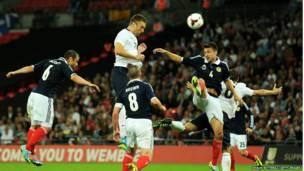 İngiltere-İskoçya futbol maçı