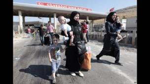 'Yan gudun hijirar syria na tsallakewa zuwa kan iyakar kasar ta Turkiya