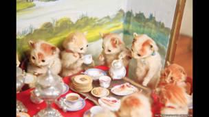 बिल्लियों की चाय और क्रोके पार्टी