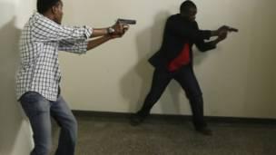 कीनिया, गोलीबारी