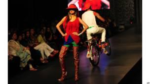 'पाकिस्तान एक्सपो' फ़ैशन शो