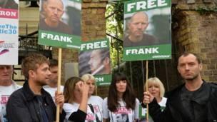 Акция в поддержку арестованных в России экологов