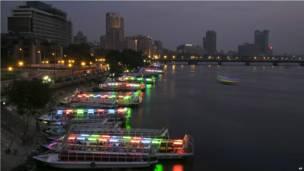 Des bateaux-mouches à quai au Caire. Samedi 28 septembre 2013. Photo AP