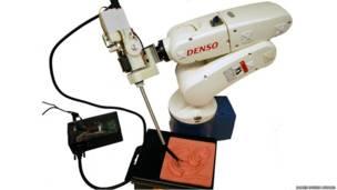 روبات جراح، جایزه جیمز دایسون