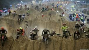बाइक रेस