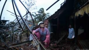 Một nhà bị hư hại ở Quảng Bình. Ảnh AFP/Getty Images