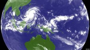 الإعصار هايان يجتاح الفلبين