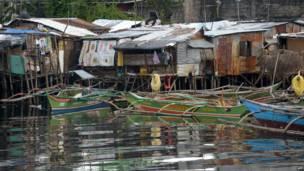مراكب صيد على شواطئ مانيلا