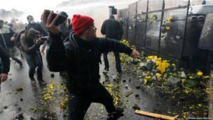 पश्चिमी फ्रांस के क्विंपर में विरोध प्रदर्शन