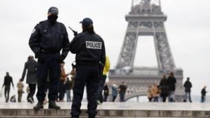 पुलिस, पेरिस, गोलीबारी