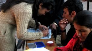 काठमाण्डूको नक्सालकी एक मतदाता