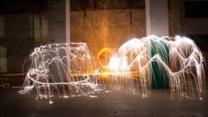 """Confira as imagens feitas pelos leitores da BBC Brasil sobre o tema """"fogos de artifício"""". Foto: Jorge Luiz Barros"""