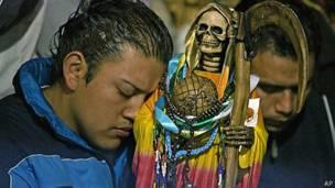 Фото огромных членов мексиканцев, страсти студенток фото