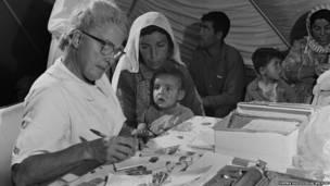 Imagens recém-recuperadas mostram levas iniciais de refugiados, hoje em sua quarta geração