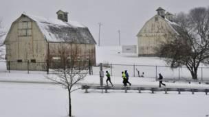 अमरीका में बर्फ़बारी