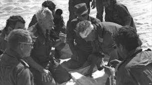 Major General Ariel Sharon (yipfutse igitambaro)