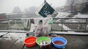 भारत प्रशासित कश्मीर में बर्फबारी