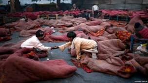 नई दिल्ली में बेघर लोगों के लिए रैनबसेरा