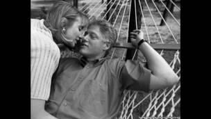 O Beijo dos Clinton, Little Rock, Arkansas, 1992.