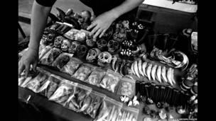 थाईलैंड-बर्मा की दुकान पर वन्यजीवों से बने सामान