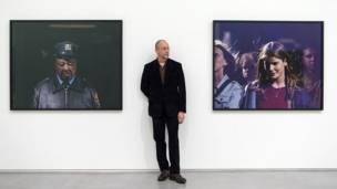 Philip-Lorca diCorcia não trabalha com foto digital e tem sua primeira grande mostra na Grã-Bretanha