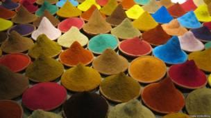 Imagens enviadas por leitores da BBC retratam desde um campo de lavanda a tênis sujos de lama. Envie-nos a sua foto!