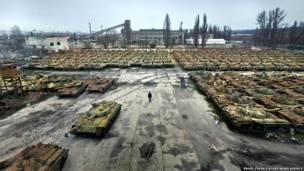 Kuburan tank di Kharkov. Foto=foto oleh Pavel Itkin