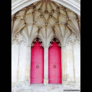 Puertas de la catedral de Winchester, Inglaterra