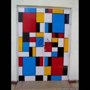 Una puerta colorida