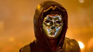 Manifestante con máscara (Foto AP/Rodrigo Abd)