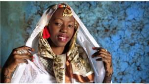 العروس الكينية، حواء عبدالقادر