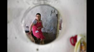 अनरिज़ॉव्लड ड्रीम्सः अज़रबैजान रिफ़्यूजीज़ एंड आईडीपीज़