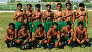 Conceicao do Araguai, Para'da takım fotoğrafı çektiren bir grup yerli.