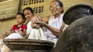 असम में बिहू की त्यौरियां