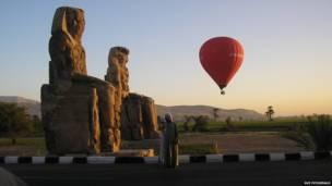 कोलोसी ऑफ़ मेमन, लक्ज़र, मिस्र