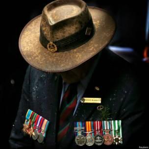 सैन्य पदकधारी अधिकारी