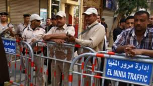 قوات الأمن تغلق الشوارع المؤدية للمحكمة