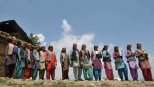 शिमला में मतदाता