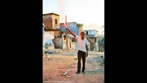 Radicado em Nova York, o alemão Marc Ohrem-Leclef percorreu 12 comunidades da cidade para revelar o impacto humano das desocupações.