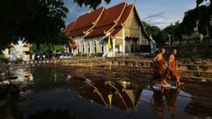 थाईलैंड में बुद्ध पूर्णिमा
