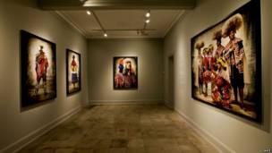Uma das salas da galeria de Mario Testino. (Mario Testino)