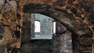 Лабиринты разрушенного замка в Хаммельбурге