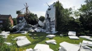 Дом со снесенной крышей