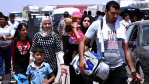 इराक़, मूसल पर चरमपंथियों का कब्ज़ा, अपना घऱ छोड़ने को मजबूर