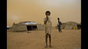 اصافہ، مالی کا ایک مہاجر برکینو فاسو میں ۔ ایچ کاکس